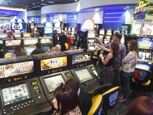 Sports betting now at Siri's Casino