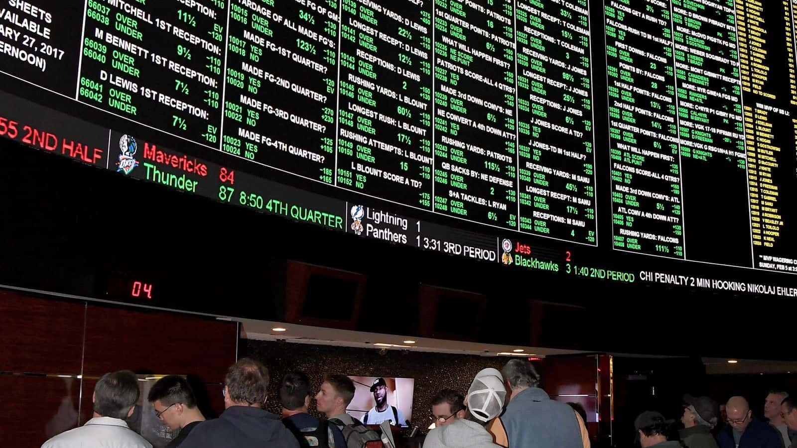 Is it better to bet Spread or Moneyline?