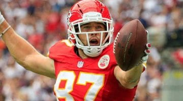 The Chiefs should win against the Texans at the 2020 Divisional Round.
